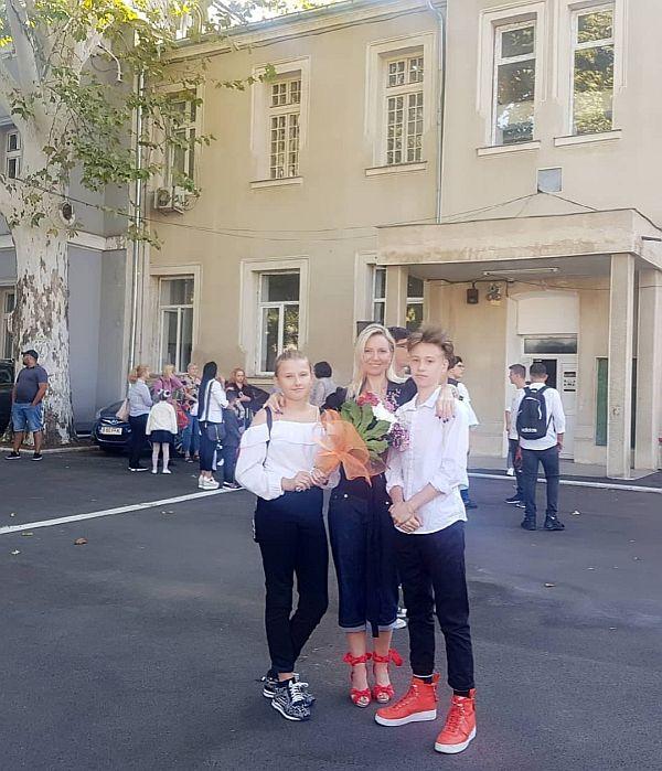 Mihaela Cernea a fost la scoala la cei doi copii ai ei si ai pictorului Costin Craioveanu