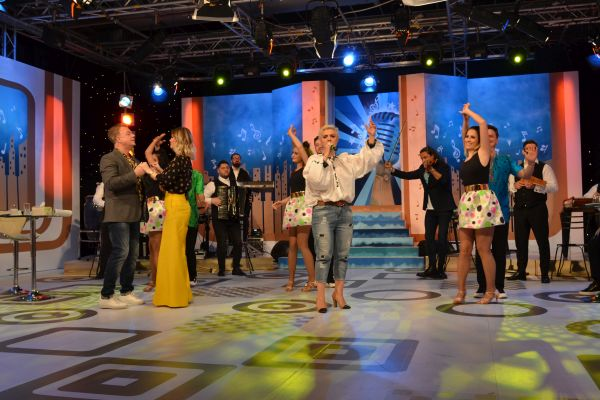 Mirela Pana , femeia spectacol vine la National TV